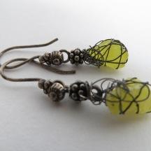 Gele ruwe Lava geoxideerd zilveren oorbellen