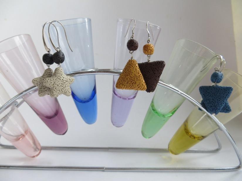 Tip: Doe je parfum op je lavasteenoorbel